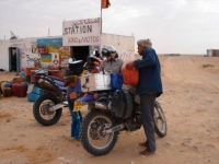 Filling up Saharan style